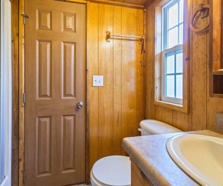 Yogi Bear Cabin Bathroom