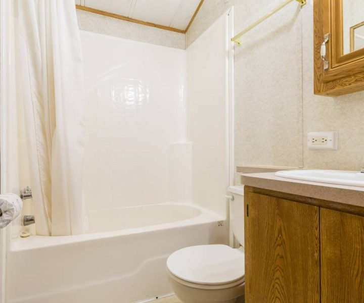 Jellystone Warrens Park Model Bathroom
