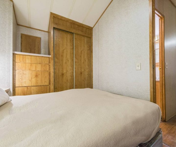 Jellystone Warrens Park Model Bedroom
