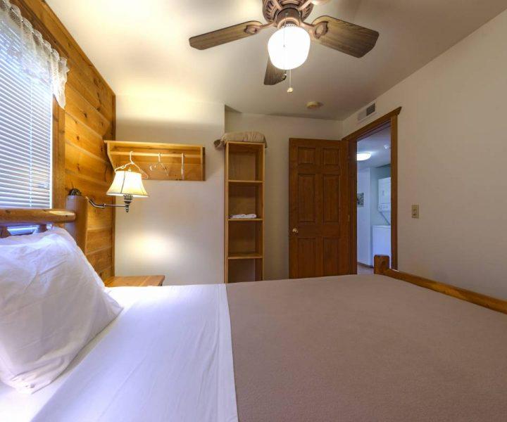 Warrens Villas bedding